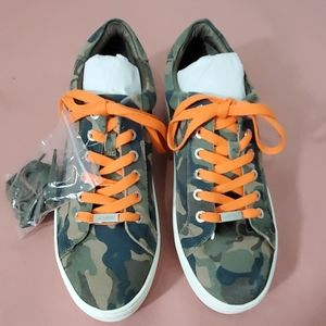 J/Slide new camo platform sneaker.